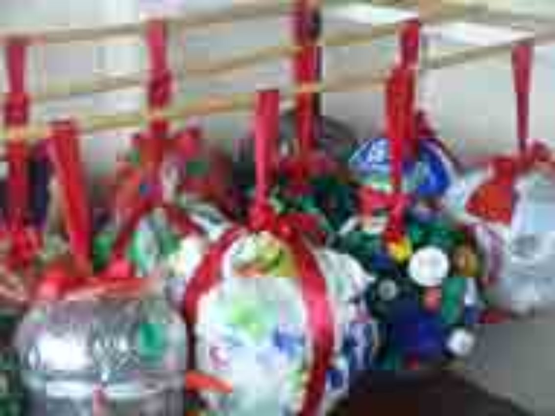 marine litter baubles