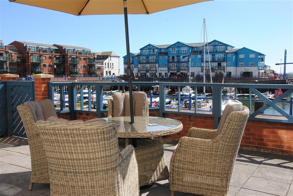clipper wharf patio