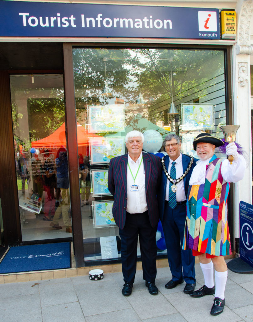 Exmouth TIC opening - Chris, Mayor and Town Crier
