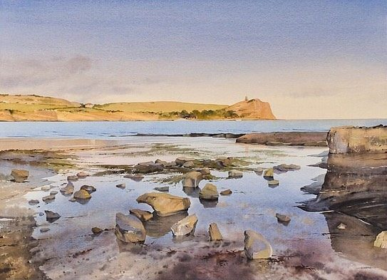 Two takes of the same view of Kimmeridge. A watercolour from @watercolour_olly and digital doodle from @isabellustrations. We love them both. . . . #jurassiccoast #jurassiccoastartists #kimmeridge